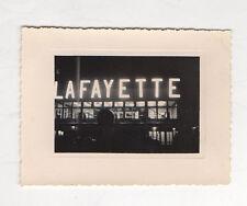 PHOTO ANCIENNE Snapshot  LAFAYETTE Nuit Éclairage Lettre Néon Vers 1960