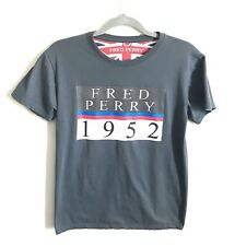 Fred Perry Tee Shirt Mens Small XS Logo Short Sleeve 1952 Crewneck Gray Spellout