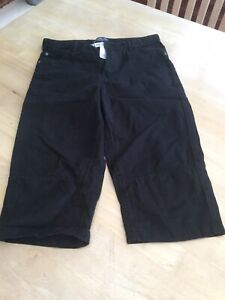 H&M Aged 12-13 Years Black Long Shorts.                      d