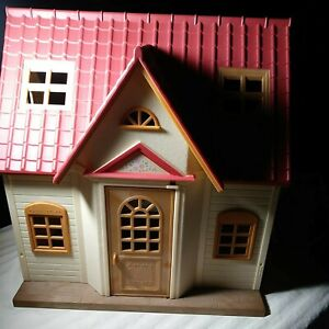 EPOCH  house for the first time of the Sylvanian Families Calico Critters