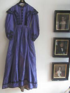 AUTHENTIC VICTORIAN 1860 ? SZ S PURPLE TAFFETA BLACK BRAID L/SLEEVE PLEAT DRESS