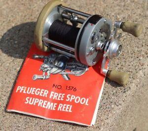 Vintage Pflueger Free Spool Supreme Fishing 1576 Reel w/ manual Old School
