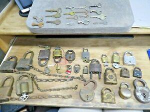 LOT, 24 Vintage Pad Locks PADLOCKS & random keys ACME, Yale, Corbin, Masterlock+