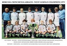 BORUSSIA MONCHENGLADBACH TEAM PRINT 1975 (WEST GERMAN CHAMPIONS)