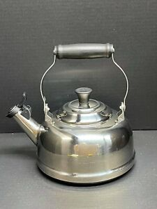Le Creuset Stainless Steel whistling Tea Kettle (1.7 QT)