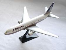 Boeing B767 BRITANNIA AIRWAYS / G-BKPW, unknown make 1:200? / Spannweite 23,5 cm