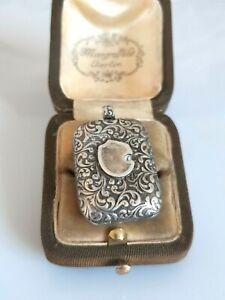 Traumhaftes antikes Medaillon Silber 800, um 1880, wunderschönes Dekor