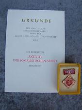 DDR Orden Aktivist sozialistischer Arbeit - Held der Arbeit - mit blanko Urkunde