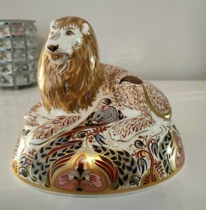 Royal Crown Derby Paperweight Lion 🦁