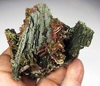 EPIDOTE - ACTINOLITE GREEN CRYSTALS from PERÚ..............CERRO SAN CRISTOBAL.
