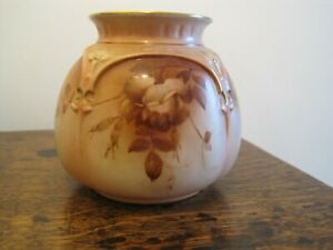 Hadley Worcester Blush Ivory Posy Vase 1899-1900