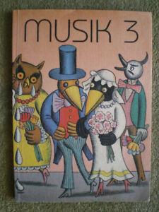 Musik 3. Klasse - DDR Schulbuch Musikbuch, Bilder von Hans Ticha