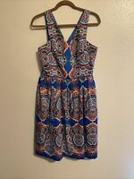 Maggy London party cocktail Blue floral fit flare v-neck dress size 8