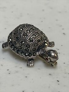 Tiny Sterling Silver Marcasite Turtle W/ Red Eyes Brooch Pin  59M3
