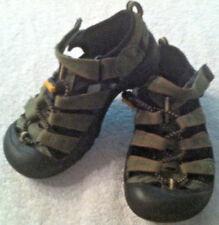 "KEEN Boys Sandals Closed Toe Rubber Sole Hiking Sport Green Estimate Sz 2 (8"")"