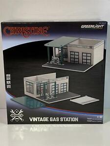 Christine Vintage Gas Station Mobico Mechanics Corner 1:64 Scale Greenlight