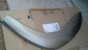 2001-2007 Toyota Sequoia Tundra Left side front fender flare pint code 4Q2 OEM