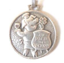Porte Clé publicitaire métal Au Pied de Cochon Restaurant metal Keychain 1960s