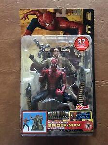 2004 Toy Biz  Spider-Man 2  Battle Attack Spider-Man.
