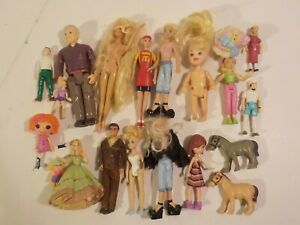 T Vintage and modern doll house figures lot playskool fisher price etc