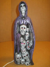 OLD HALLOWEEN STATUE PURPLE CAPE SKELETON MAN AND SKULLS LIGHTS UP PURPLE WORKS