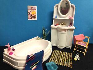 Barbie Badezimmer, Badewanne, Waschbecken , Creme, Handtuch  , Zubehör