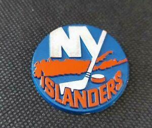 NHL New York Islanders Used Rubber Fridge Magnet Vintage Hockey OOP