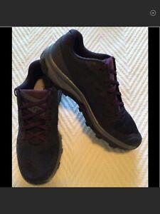 Salomon Outline Contagrip Men's Lighweight Hiking Trail Shoes. Size 8