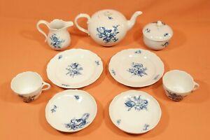 Meissen Teeservice blaue Blume mit Insekten / Teekanne Tasse Teller Zucker  / V