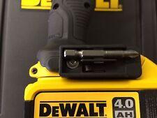 Dewalt Portapuntas & Tornillo 10.8v compacto del controlador de impacto sin cuerda DCF815