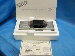 "Danbury Mint 1968 Plymouth ROADRUNNER 383 1/24 Scale VERY RARE Nice Car ""READ"""