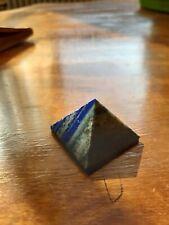 Très belle pyramide en sodalite