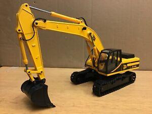 1/35 scale JCB JS330L tracked excavator bagger by Joal 261 dealer box