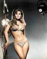 Raquel Welch 8x10 RARE COLOR Photo 600