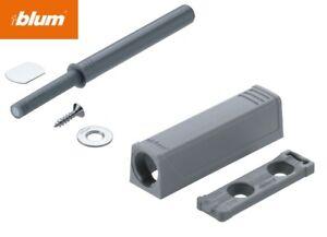 Blum Tip On für Türen Set Kurzversion Langversion Adapterplatte Puffer