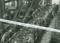 Borinage - Belgien - Arbeit im Kohlenbergwerk - Sortierung - um 1940     S 29-12