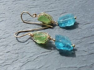 Earrings Gold 18 CT, Apatites And Emeralds Rough