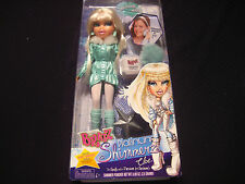 Bratz Platinum Shimmerz - CLOE - Doll with Simmer Powder