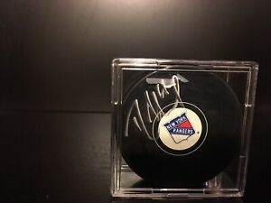 Rick Nash Signed / Autographed New York Rangers Puck With Case Steiner Cert
