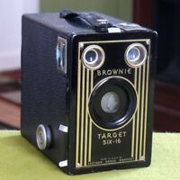 Vintage 1940s Kodak Brownie Target Six-16 Box Camera - Art Deco Faceplate