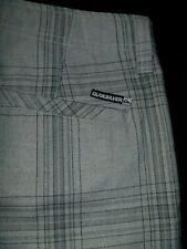 #7380 QUIKSILVER Walk Shorts Size 32
