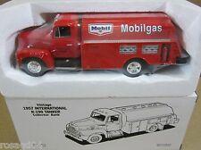Vintage 1957 International R190 Tanker Truck Bank Mobilgas Mobil Oi DieCast 1:34