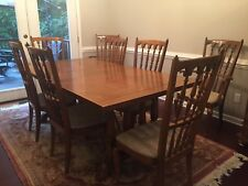 Thomasville Dining Room Table With 6 Side And 2 Captain Chairs