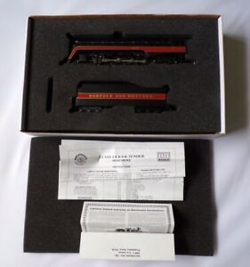 BACHMANN No 11315 NORFOLK AND WESTERN  TRAIN LOCOMOTIVE CLASS J 4-8-4  BOXED