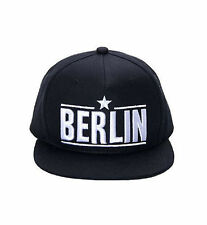 ROBIN RUTH Schwarzes Cap Berlin NEU/OVP gerades Schild Mütze Kappe Basecap Stern
