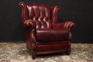 Poltrona Chesterfield / Chester bergere / pelle rosso bordeaux / legno lavorato
