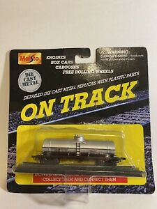 Maisto On Track Southern Pacific tanker car 15131 die cast metal w plastic NEW😀