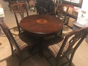 Lexington roundtable, w/ 4 chairs