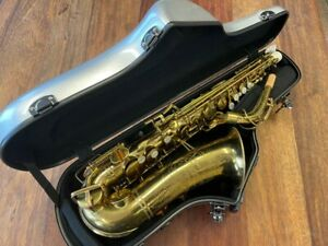 Pre-Owned BUESCHER ARISTOCRAT Alto Saxophone #331683 Repadded PERFECT Ships FREE
