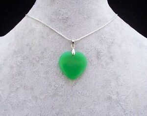 Lovely Green Jade 25mm Heart Pendant 925 Silver Snake Chain Necklace.In Gift Box